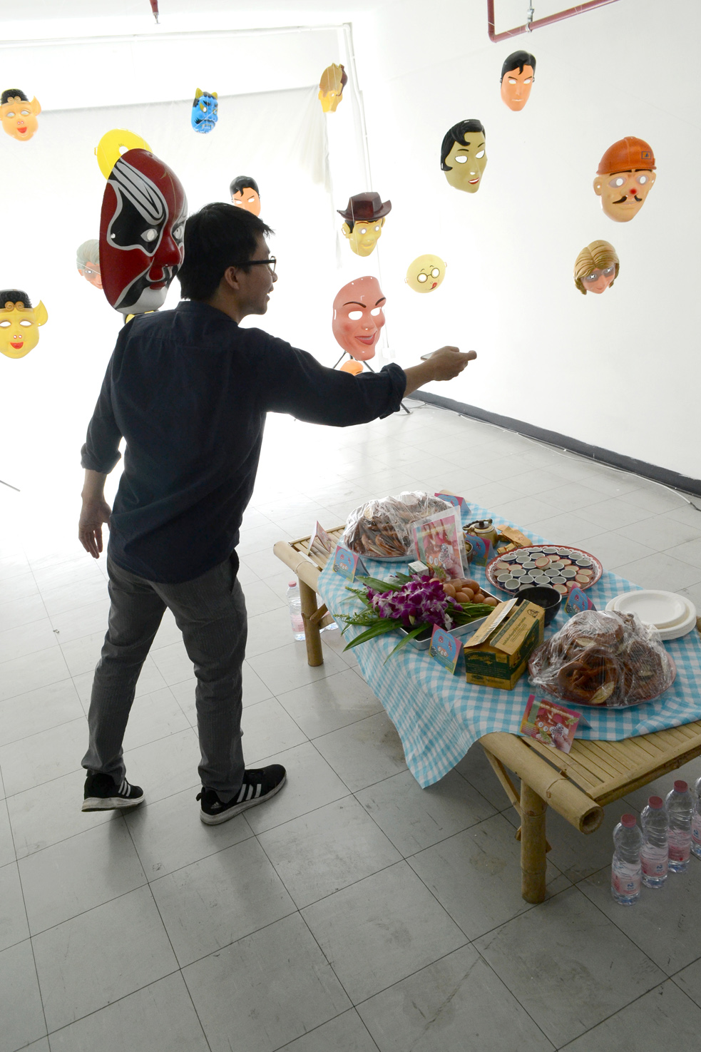 stay hungry sangnual lap Bangkok Berlin art project space food culture intervention Michel Aniol Meike Kuhnert